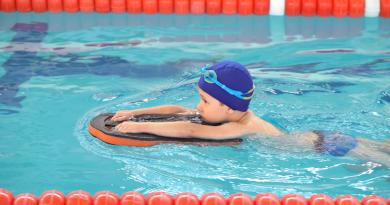 Nauka i doskonalenie pływania – sprzedaż karnetów od 1 września