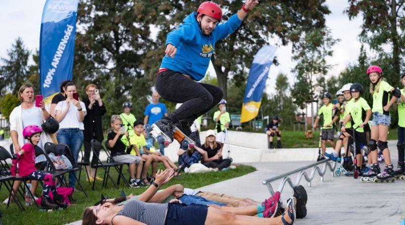 Adam Knop w akcji na skateparku