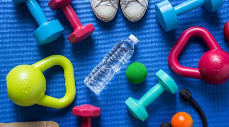 piłka, butelka, tenisówki